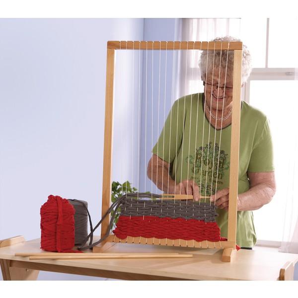 Duża rama do tkania ze stojakiem